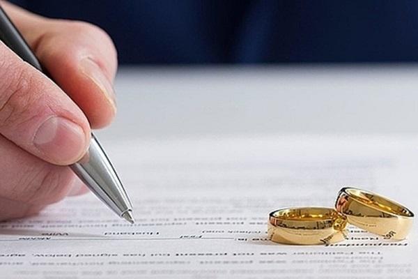 Phí thuê luật sư ly hôn là bao nhiêu